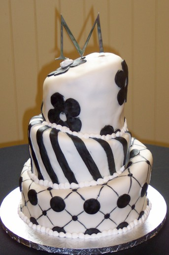 black_and_white_crooked_cake.jpg